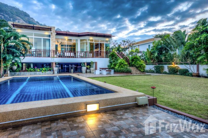 MODERN LAKESIDE – 4 bed villa for sale in Khao Tao, Hua Hin