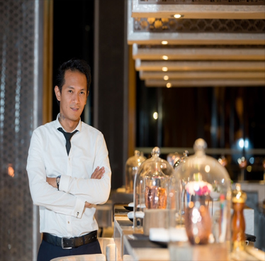 Vana Nava Sky Bar Hires International Bar Aficionado, Ron Ramirez, to Take Venue to New Heights